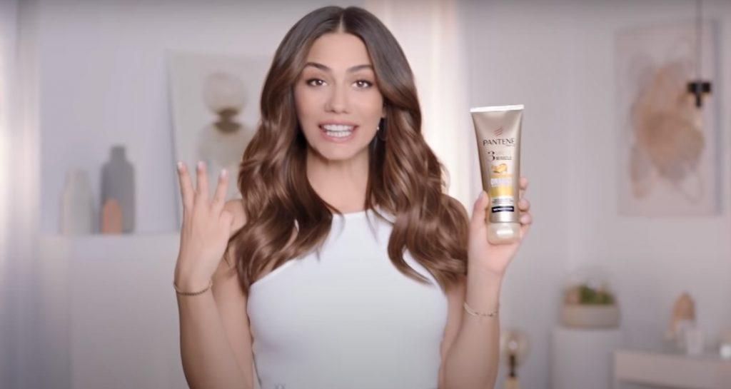Demet Özdemir Panten Reklamındaki Saç Rengi